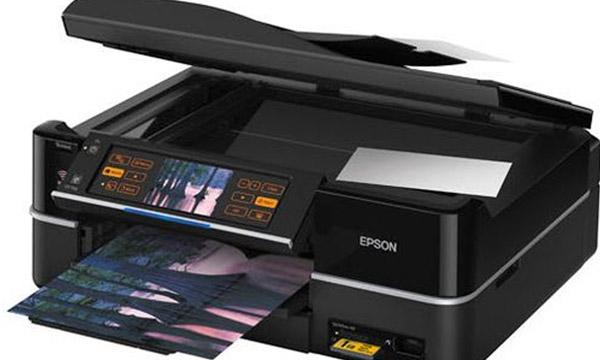 printer-pri-pechati-ostavlyaet-na-liste-belye-polya