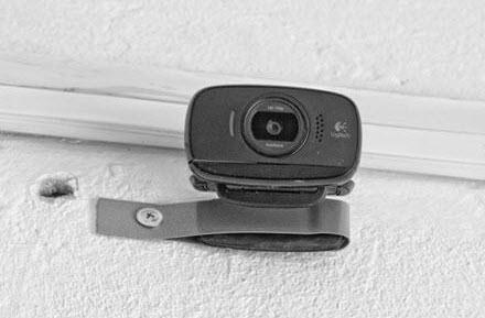 крепление камеры к стене